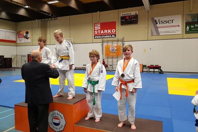 Stijn Hulsebos behaalt brons op District Kampioenschap -12